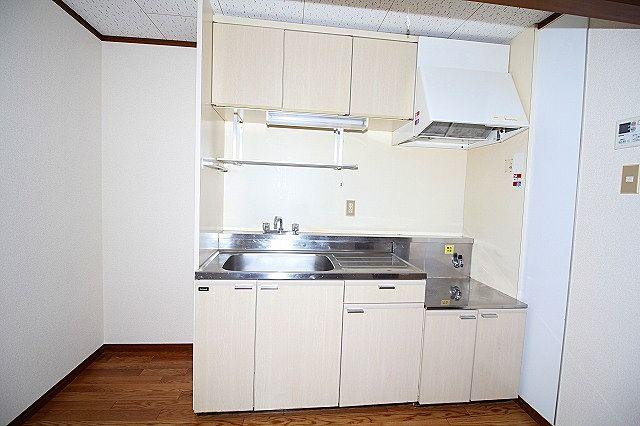 キッチン収納もしっかりあります