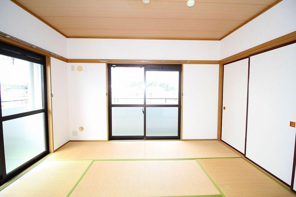 横窓と和室