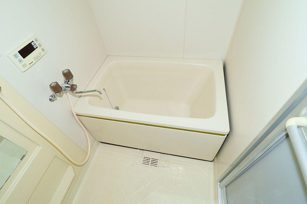帰宅時間が異なる家族の便利な追焚機能付きのお風呂