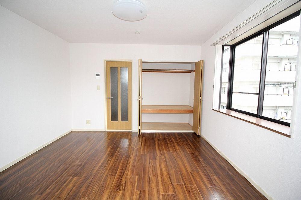 洋室、収納