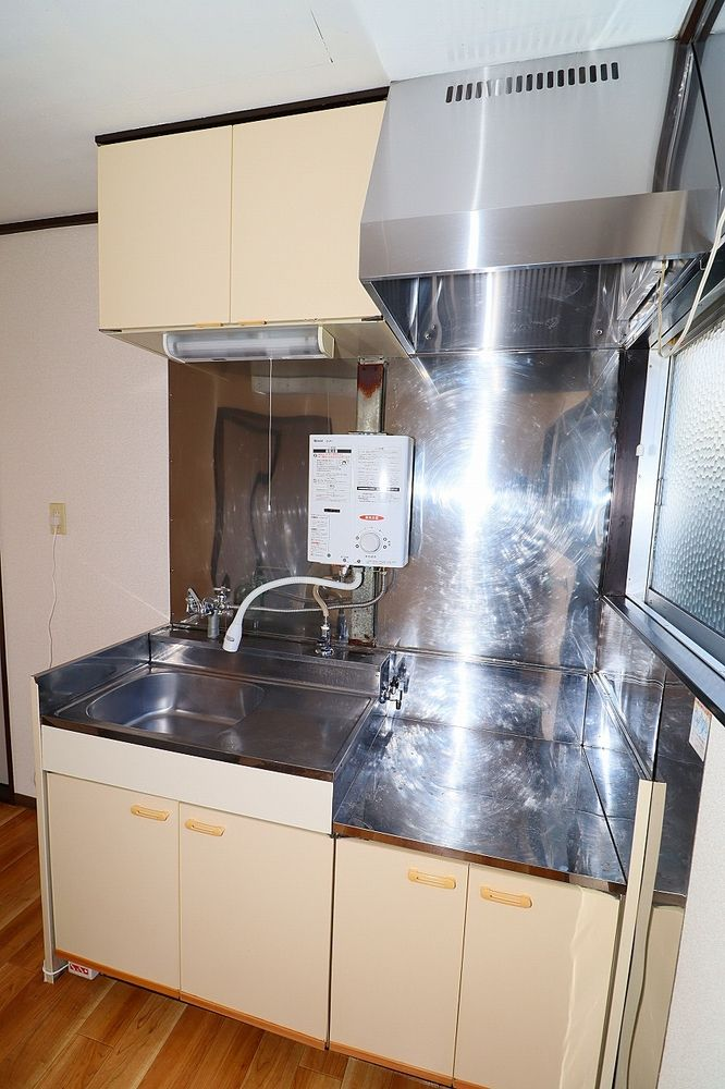 キッチンは収納もしっかりあります