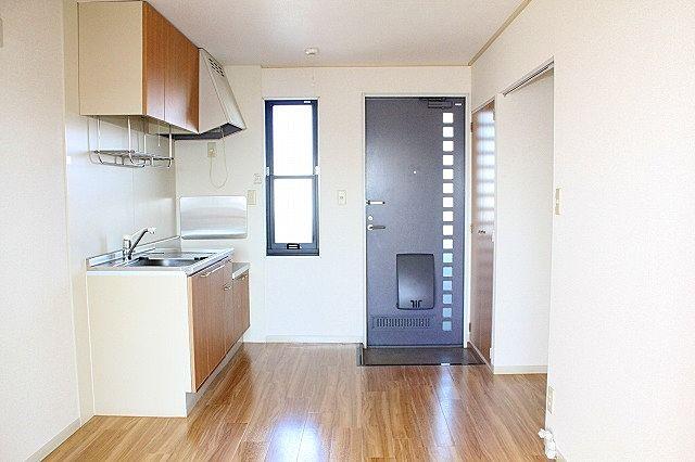 玄関 キッチン