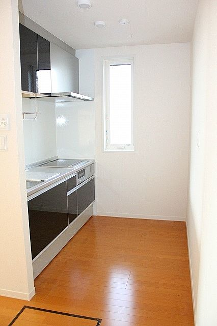 横窓付き キッチン