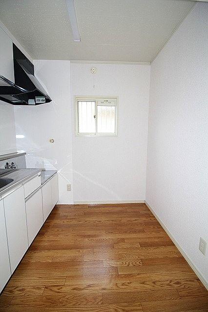 二人でお料理も出来るキッチン 窓付きです