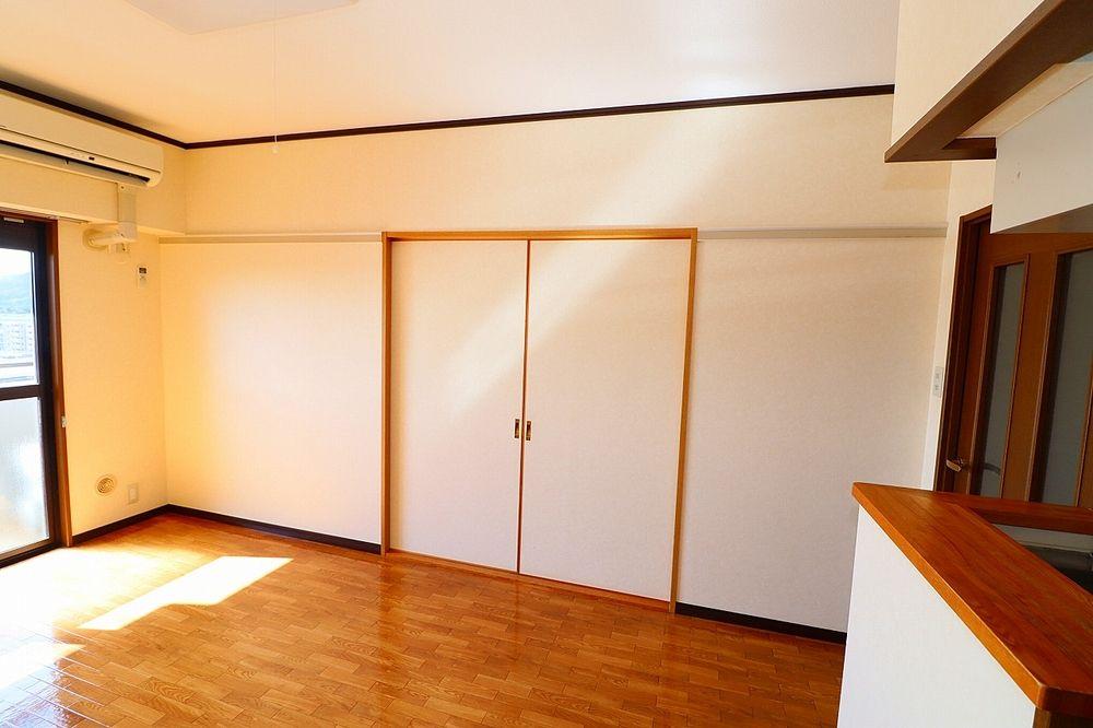 和室間仕切り戸を閉めれば独立したお部屋