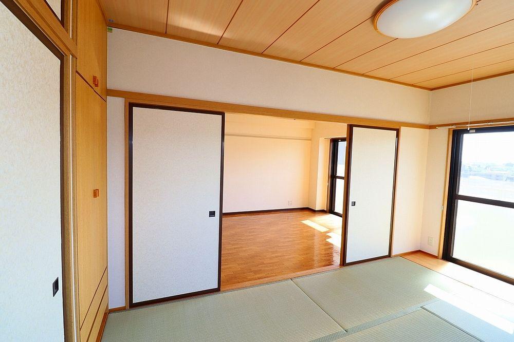 LDKと和室合わせて約18帖の広々空間