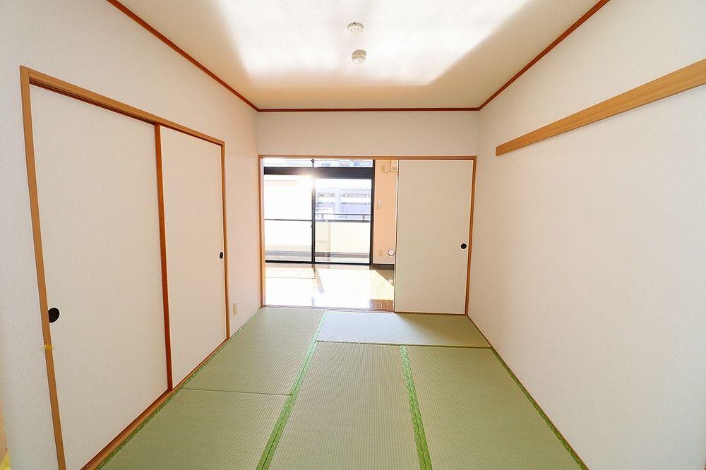 和室と一体利用で15帖としての利用もできます