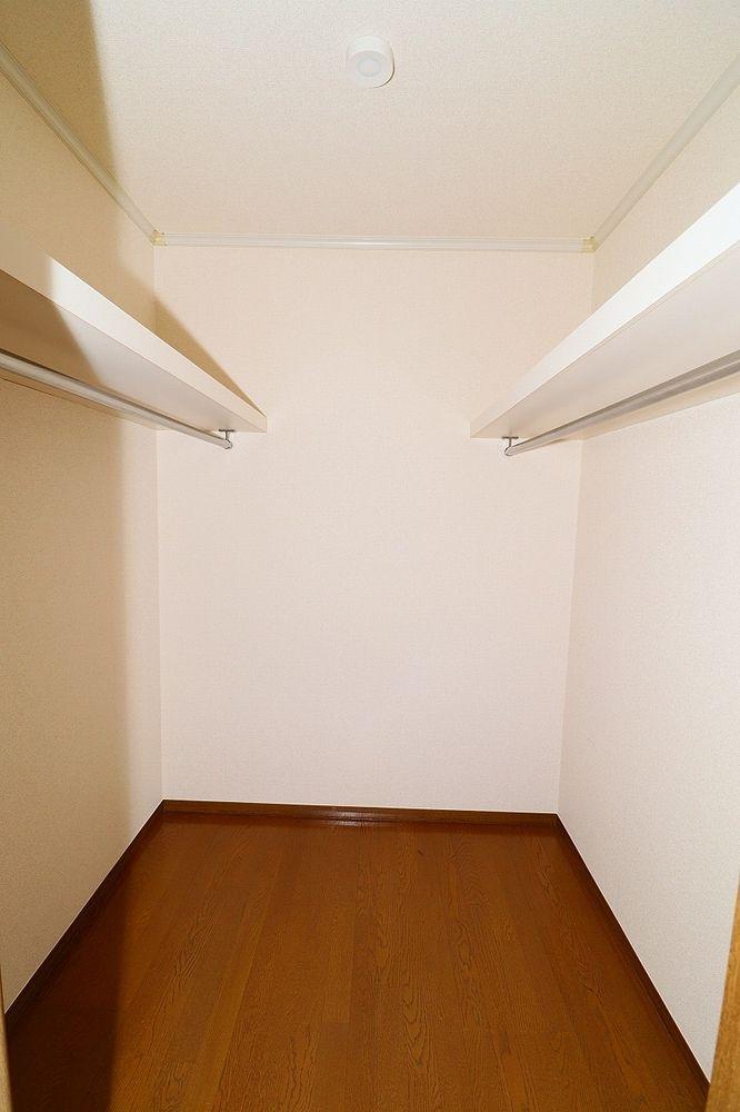 ウォークインクローゼット付き、お部屋もすっきり