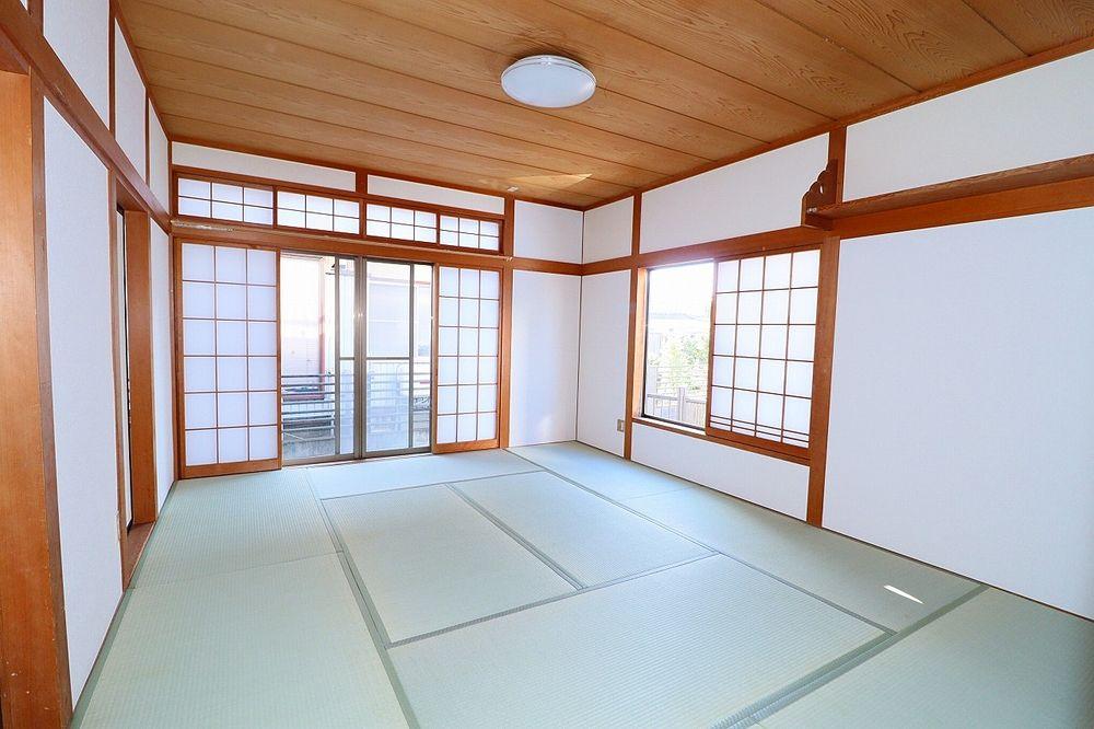 障子と畳、くつろぎの空間は和室から