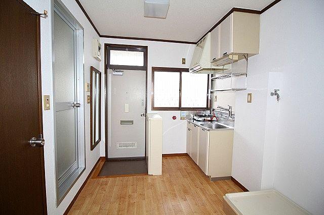 玄関、キッチン