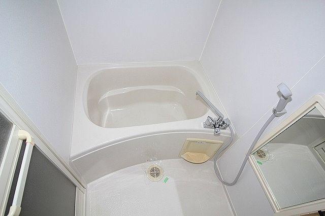 一人暮らしにも嬉しい、バス・トイレ独立タイプ