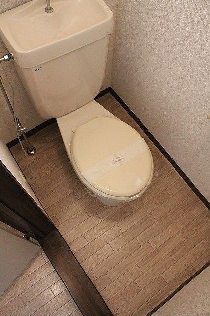 トイレは温水洗浄便座にします