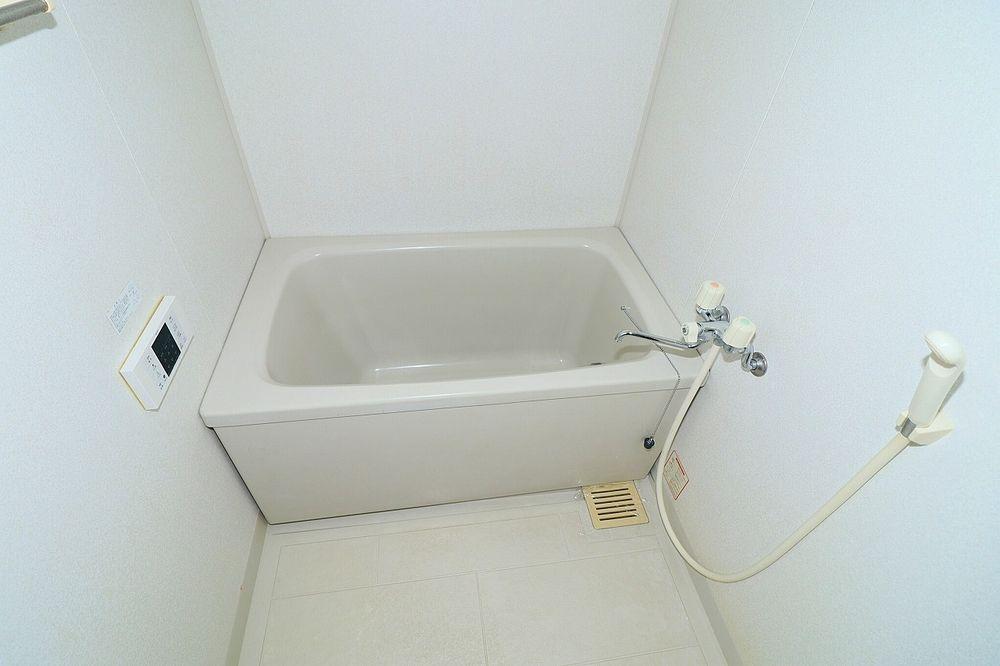 帰宅時間が異なるふたりの便利な追焚機能付きのお風呂