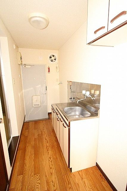キッチン、玄関