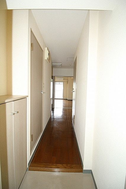 玄関横にシューズボックスがついているので、片付いた玄関がキープできます