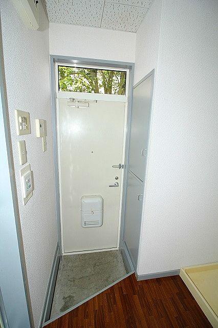 シューズボックスで片付いた玄関をキープ!