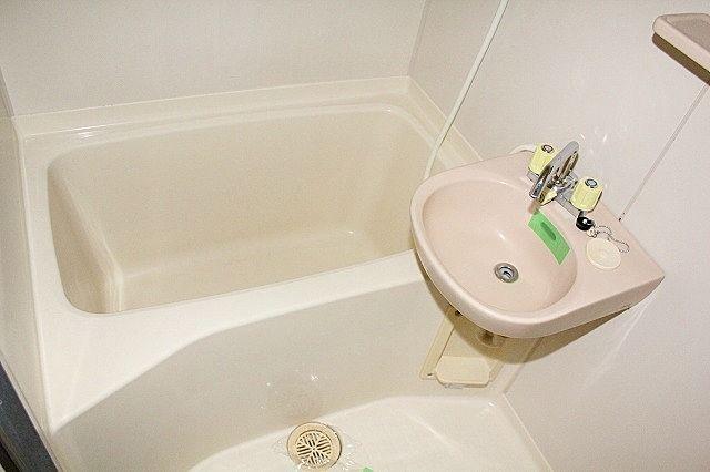 浴室 洗面ボール付きキッチンで歯磨き不要