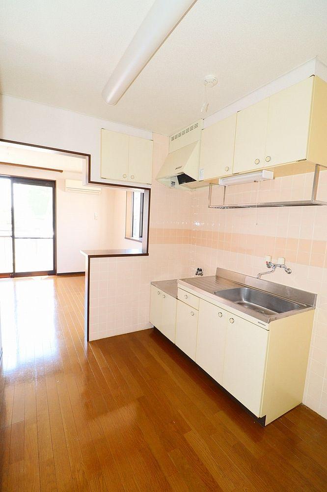 独立キッチン ゆったりスペースでお料理もはかどります♪