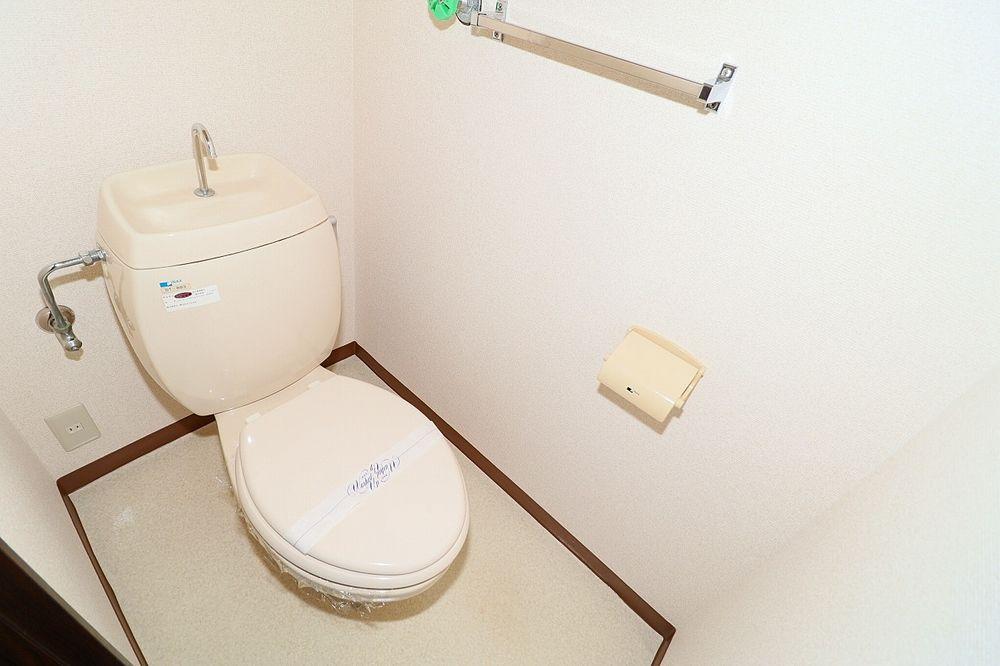 トイレは温水洗浄便座にします!
