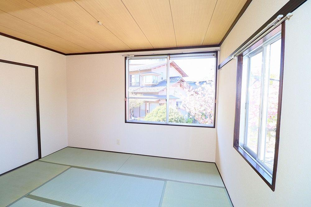 床が柔らかい和室はお子様の遊び部屋としても利用も出来ます