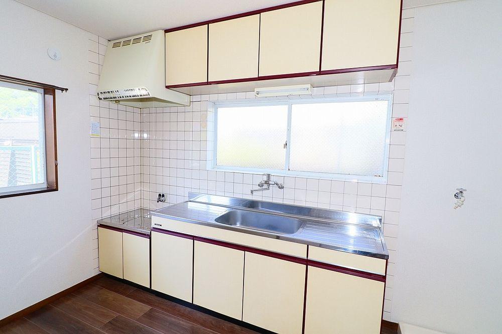 収納スペース、作業スペースが広いキッチンはうれしいポイント!