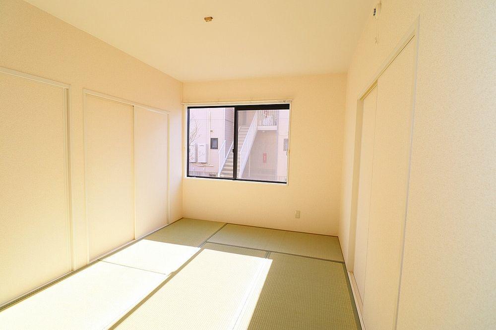 床が柔らかい和室はお子様の遊び部屋としてもおすすめです♪