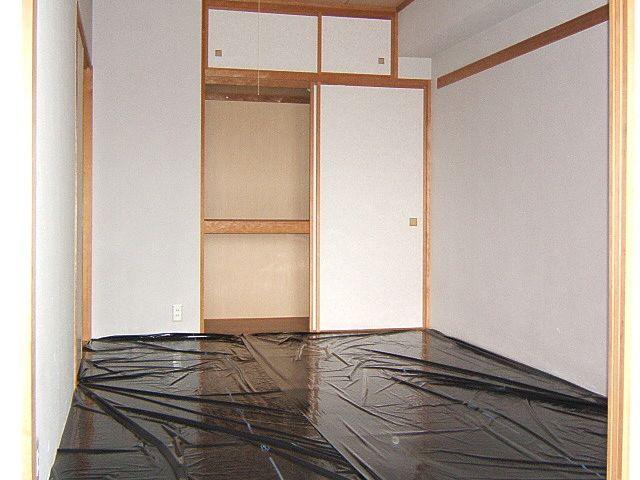 収納は天袋付き 気軽に横になれる和室は魅力♪