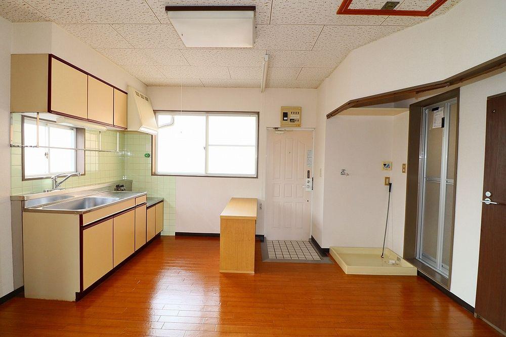 窓が有り、換気も出来る明るいキッチン