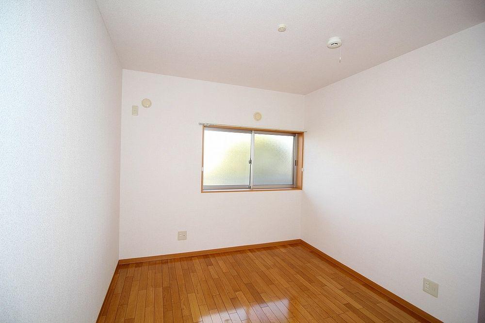 個室間ある洋室