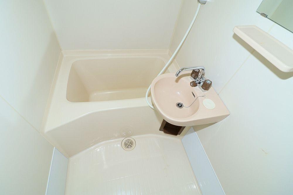 浴室は洗面ボール付き キッチンで歯磨き不要