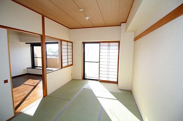 床が柔らかい和室はお子様の遊び部屋としてもおすすめです