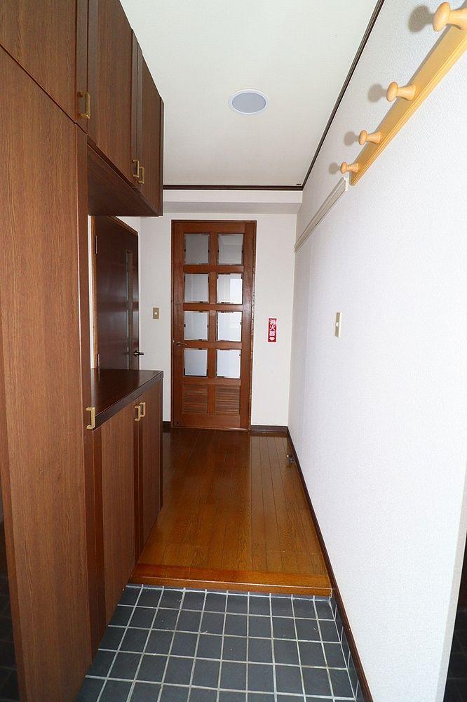 玄関横に下駄箱がついているので、片付いた玄関がキープできます