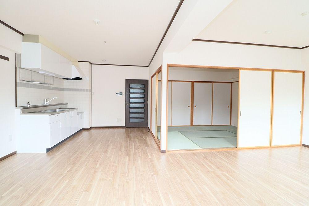 和室と一体利用で21帖と広いお部屋に!