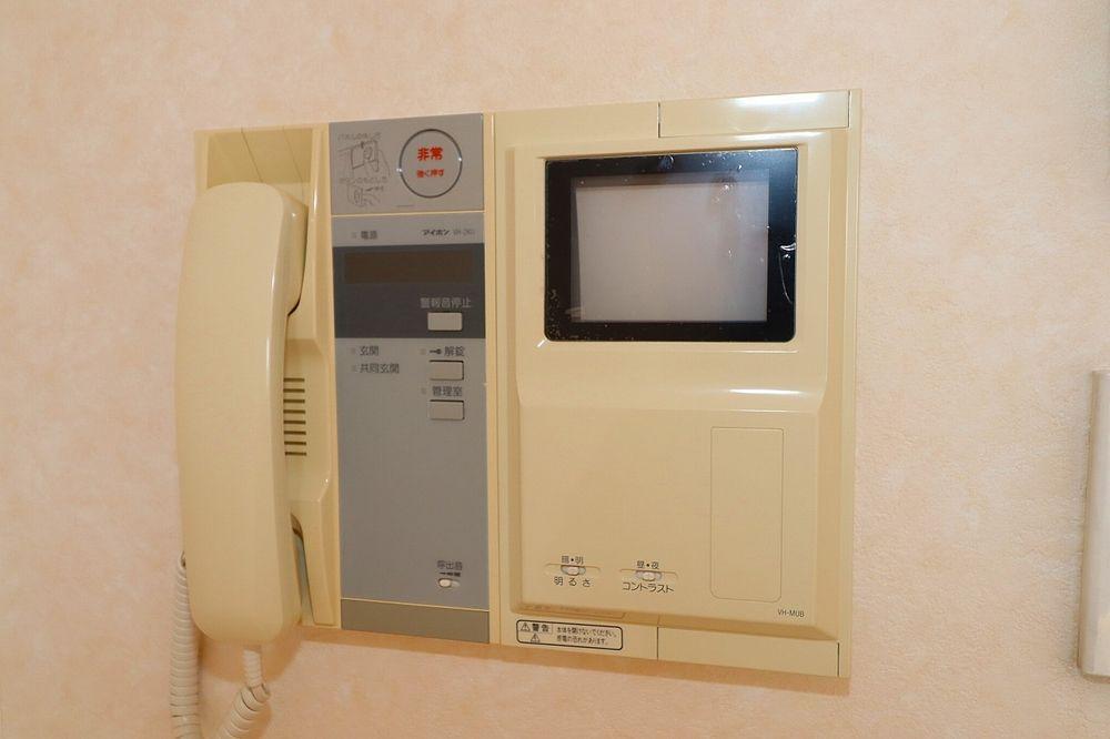 TVモニター付オートロック+玄関はインターホン付き