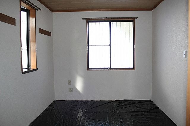和室にも横窓が有ります