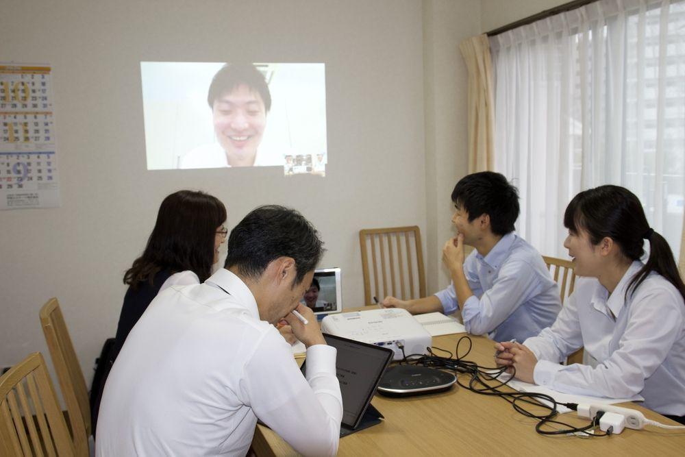 顧客貢献と自己成長のため、毎月勉強会を実施しております。