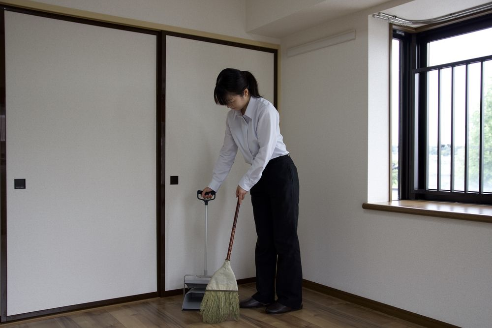 物件の綺麗な状態を保つために、定期的に清掃を行います。