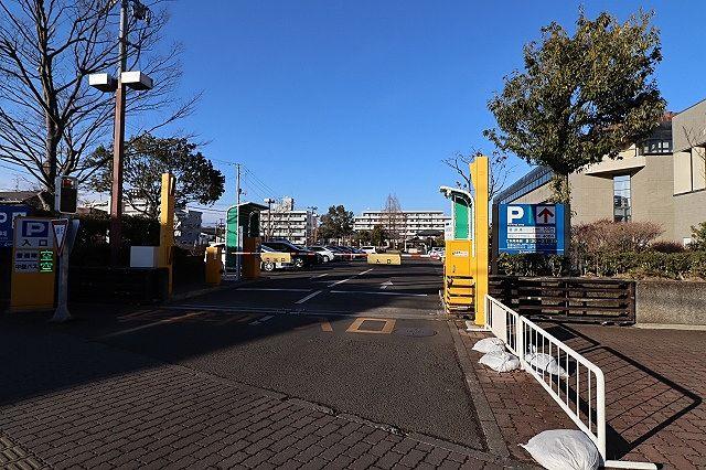 カメイアリーナ仙台(仙台市体育館)西側に駐車場があります