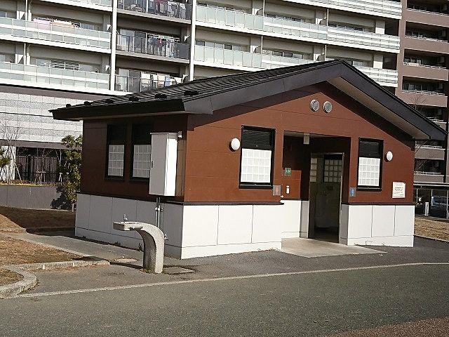 公園トイレ(多目的トイレ)